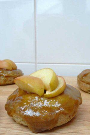 vegan-toffee-apple-donuts