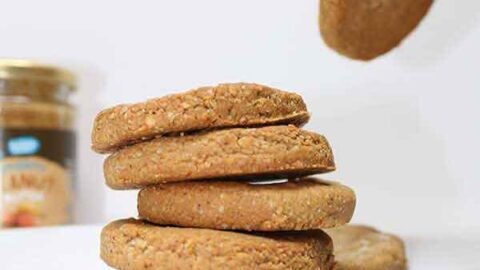 Vegan peanut butter cookies with 3 ingredients. Gluten-free, low carb and healthy!