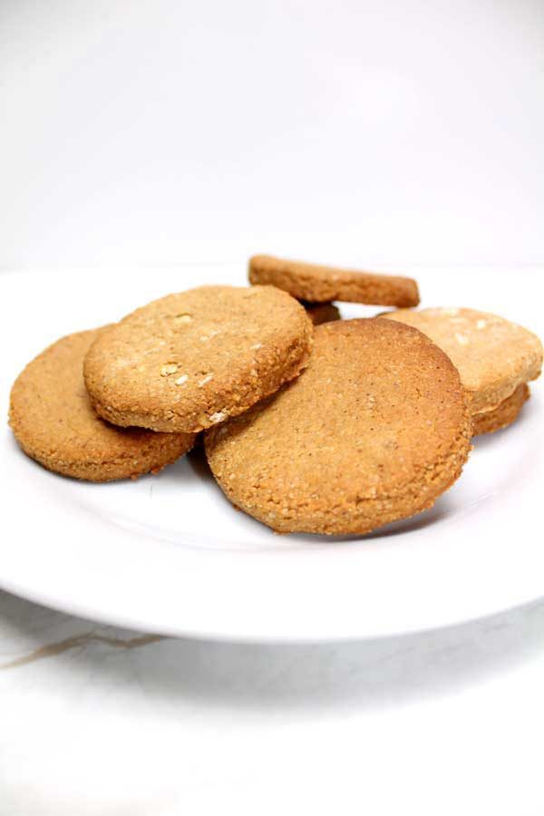 3 ingredient vegan cookies! Gluten free, grain free, oil free and healthy!