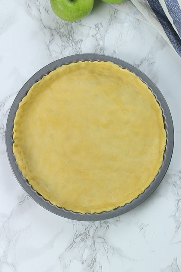 Empty pastry case in flan tin