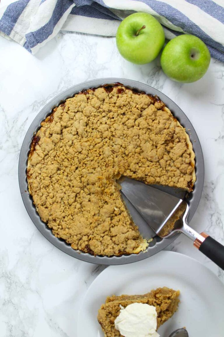 Vegan apple crumble pie!