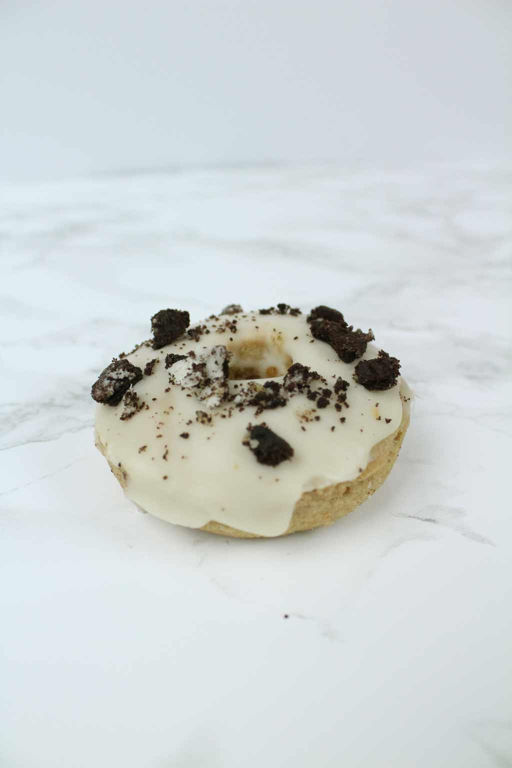 vegan oreo donut