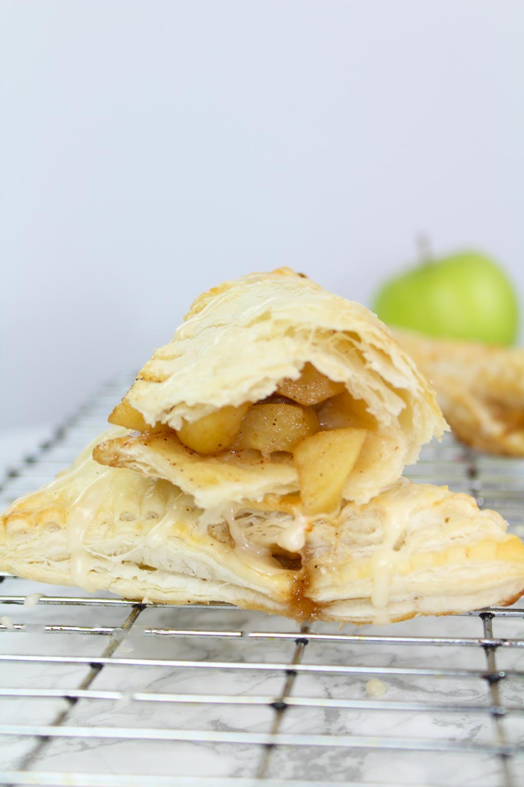 Vegan apple turnovers with puff pastry