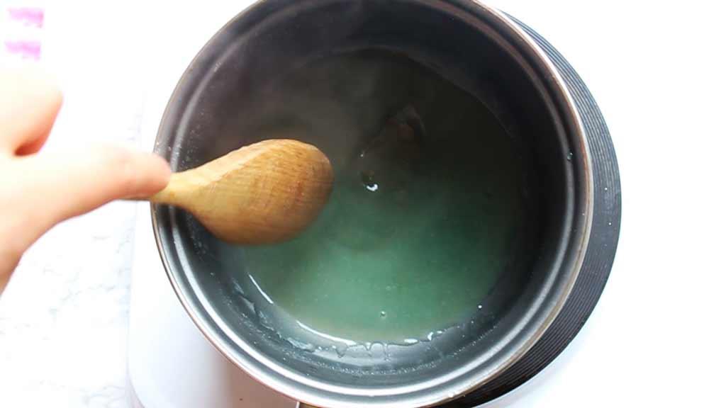 thicken the vegan gummy bear mixture over a low heat