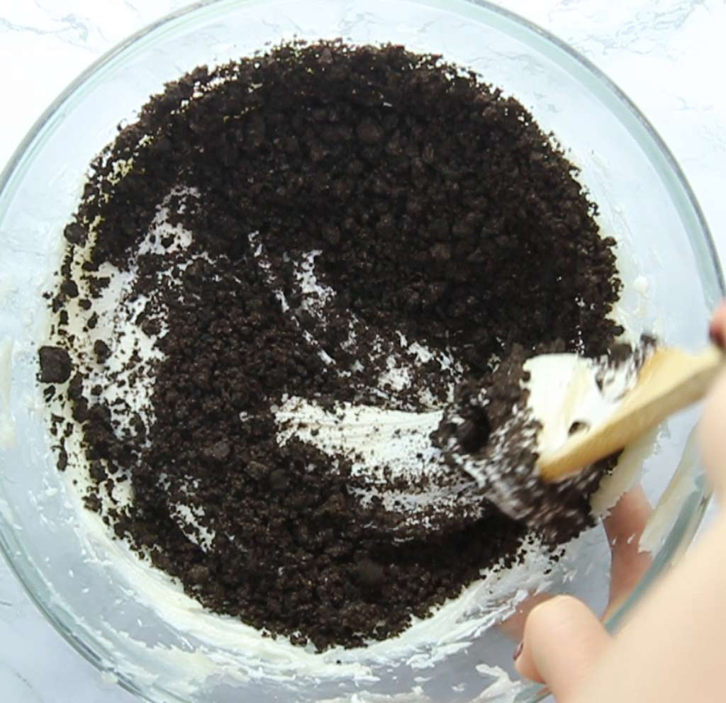 vanilla frosting with oreo crumbs in it