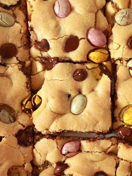 Thumbnail image of vegan mini egg cookie bars